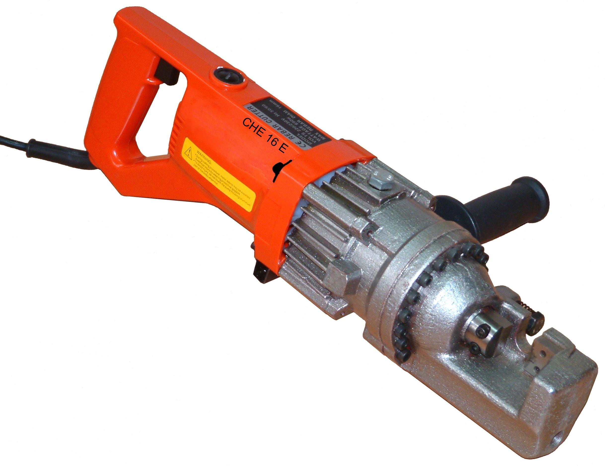 La cisaille hydraulique électrique coupe de l'acier jusqu'à 25 mm.